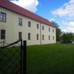 Pravé křídlo zámku (statku) Drahonice